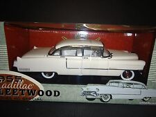 Greenlight Cadillac Fleetwood 1955 White 12937 1/18 Limited Edition