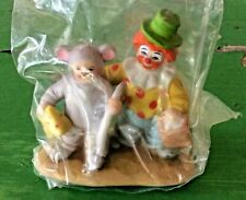 Lefton Colonial Christmas Village Porcelain Figurines - Peek-A-Boo - Nip
