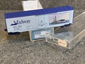 N Scale Micro-Trains MTL NSC 05-111 USS Midway Magic 50' Plug Door Box Car #2005