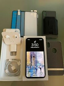 Bundle Apple iPhone XS-256GB Silver/White  Unlocked Cases/Screen Protectors