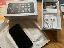 Apple IPhone 5s - 64 Go - Gris Sidéral (Désimlocké) et protections multiples.