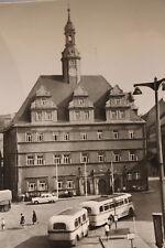 29309 schöne Foto AK Penig Markt mit Rathaus und alter Bus 1967