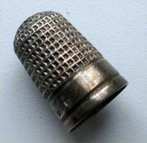 ENGLISH SILVER HALLMARKED THIMBLE WILLIAM H WALTER CHESTER 1889 / CHARLES HORNER