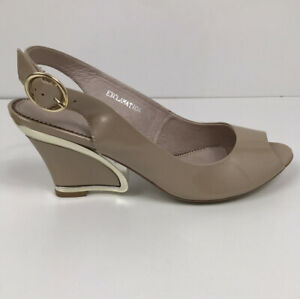 Django & Juliette Exclamation Patent Leather Heels Beige Wedge Gold Trim Size 41