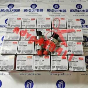 1PCS New Danfoss YORK PRESSURE TRANSMITTER 060G2154