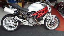 Ducati Monster 1100  2009 (59) reg bike  mint condition standard bike 3034 miles