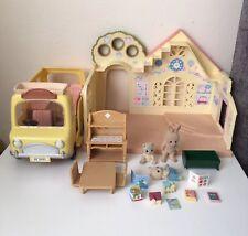 Sylvanian FAMILIES senza scatole. accogliente casetta /& Nursery PLUS Nursery Bus