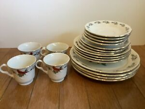 Gibson Everyday Holiday Cardinals stoneware 20 piece 4 Place Settings Christmas