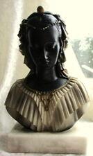 wunderschöne ,ältere  Frauen Büste - Halb Büste - Skulptur - Marmorsockel -