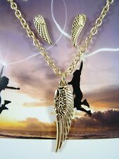 New Gold Tone Angel Wing Necklace & Earring Set NWT #N2436