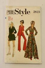 Style 2823 - 1970s Coat-Dress, Trousers & Mini Skirt - Size 12 (34 ) Complete