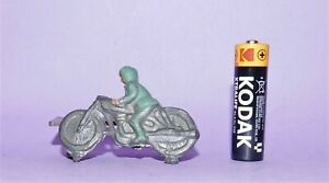 *  VINTAGE  *  LEAD  *  RACING MOTORCYCLE WITH RIDER  *  LOT 8  *