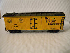 HO scale Pacific Fruit Express PFE 86769 Wood Side    Rare Vintage