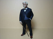 FIGURINE  1/18   WILHELM  MAYBACH   A  PEINDRE   VROOM  POUR  CMC  AUTO  ART