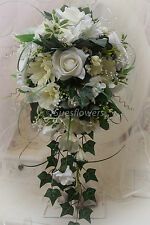 BRIDES TEARDROP IN IVORY natural looking large bouquet can add colours