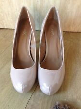 Retro 1990's creamy beige patent chunky front court shoes size 7
