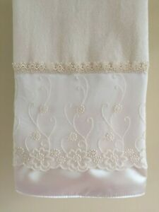 CHANTILLY LACE Hand Towel (1) Ivory Velour 100% Cotton Venice Lace NEW UtaLace