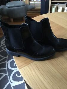 Asos Ankle Chelsea Boots Black Faux Leather Size 5