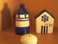 Maritimer Pfeffer und Salzstreuer Keramik Leuchtturm Strandhaus Nordsee Set Blau