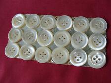 BOUTONS ANCIENS PLAQUE DE 18 BOUTONS EN NACRE DIAMETRE 20 MM SUPERBES