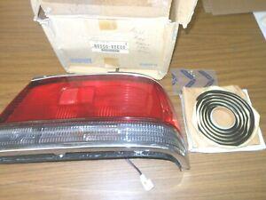 Genuine Nissan 1989-1994 Maxima B6550-85E00 Passenger Side Taillight Assembly