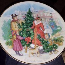 Vintage Holiday Seasonal Christmas Collectible Plates Avon Lined 22K 1990 1992