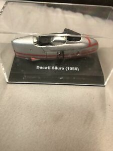New Ray Ducati Siluro 1956 1:32 Motorcycle Silver Red B2