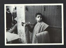 TETOUAN (MAROC) ENFANT VENDEUR de PANTALON en 1978
