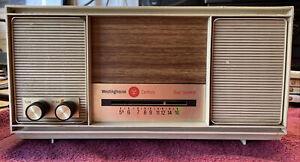 Vintage Westinghouse CR-510 Light Beige/Brown AM Tube Radio See Notes