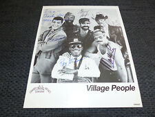 VILLAGE PEOPLE Glenn Hughes (+ 2001) signed Autogramme auf 20x25 cm Foto LOOK
