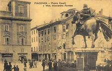 "3492) PIACENZA, PIAZZA CAVALLI AFFOLLATA, BARBIERE NEGOZIO ""CANDELE DI MARIA VG."