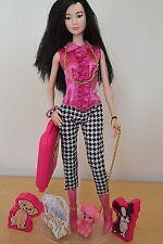 2018 Barbie Convention Table Pièce Centrale asiatique Barbie avec Chien