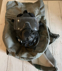 AVON M50 GAS MASK WITH CARRYING CASE SIZE MEDIUM