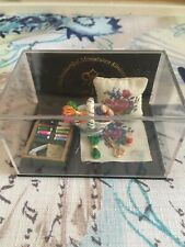 reutter porzellan Dollhouse Miniature Embroidery Display