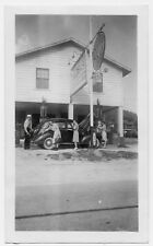 OLD PHOTO WOMEN CAR GAS STATION GULF SEE THROUGH GAS PUMPS NORTH CAROLINA  1940S