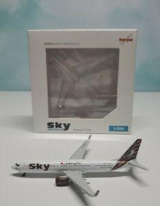 Herpa 1:500 Sky Airlines 737-900 TC-SKP Adam & Eve Turkey Boeing B737-900