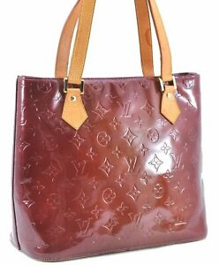 Authentic Louis Vuitton Vernis Houston Shoulder Bag Purple LV B8568