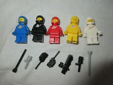 LEGO 5 VINTAGE CLASSIC SPACE MINIFIGS with weapons & oxygen tanks