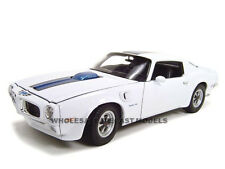 1972 PONTIAC FIREBIRD TRANS AM WHITE 1/18 DIECAST MODEL CAR BY WELLY 12566