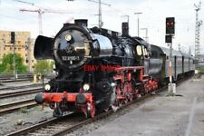 PHOTO  GERMAN RAILWAY -  DRB CLASS 52 NO 52 8195 'MITTELFRANKEN' WITH 2'2'T30 SE
