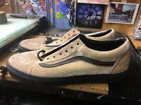 Vans Old Skool (Velvet) Tan/Black Size US 10 Men's  VN0A38G1NQA