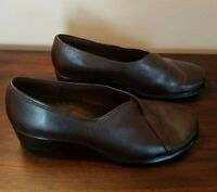 CLARKS ARTISAN Brown Leather Slip On Comfort Loafers Women's 6 M 74323