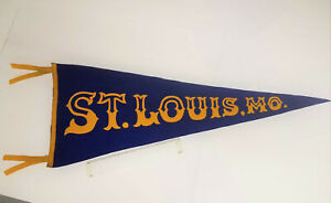 """EARLY 1900'S ANTIQUE YELLOW AND BLUE """"ST.LOUIS, MO."""" UNIVERSITY  FELT PENNANT"""