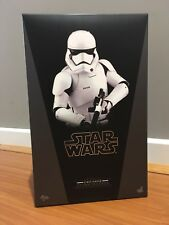 NEW Star Wars First Order Stormtrooper Sixth Scale Figure Hot Toys