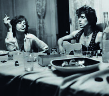 Mick Jagger and Keith Richards UNSIGNED photograph - L2922 - In 1971 - NEW IMAGE