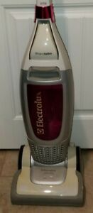 ELECTROLUX VERSATILITY EL8500 upright Vacuum Excellent Condition
