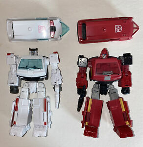 Transformers Earthrise War For Cybertron RATCHET & IRONHIDE Complete Deluxe Wfc