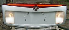 03-07 CADILLAC CTS TRUNK LID FINISH PANEL THIRD BRAKE & REVERSE LIGHTS SILVER