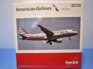 """HERPA 1:200 SCALE """" AMERICAN AIRLINES AIRBUS A319 """" COMMERICAL AIRLINE 556330"""