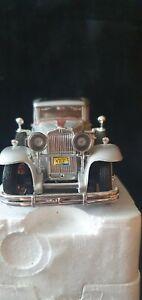 National motor museum signature sunnyside arko  1931 silver Peerless